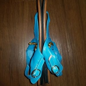 cfb8e8f1bbaa Kali Shoes - Women s Blue Gold Chain Thong Flat Sandals Size 8